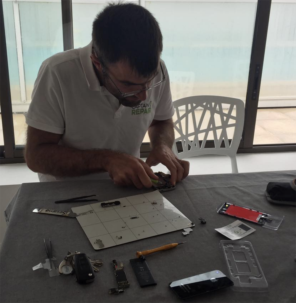 benoit robeau, réparateur smartphone et tablette captain repair